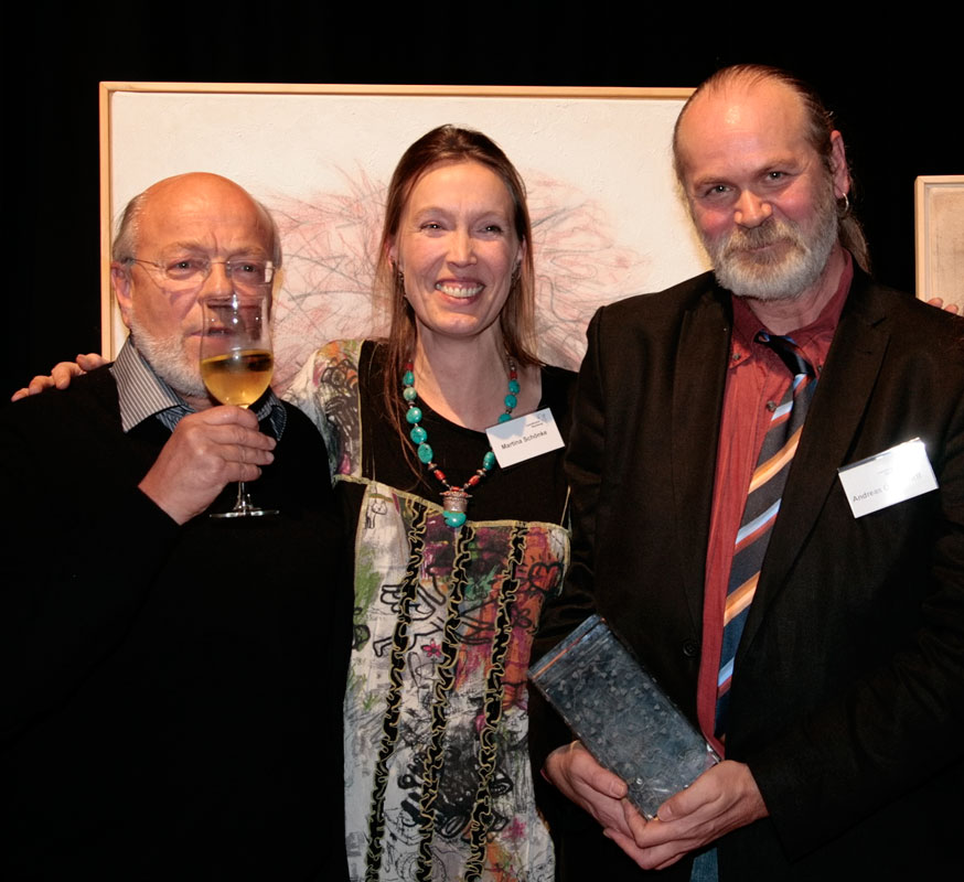 Ole Ohlendorff (Rechts) mit Lebensgefährtin Martina Schönke (Mitte) und Laudator Kuno Dreysse (Links)